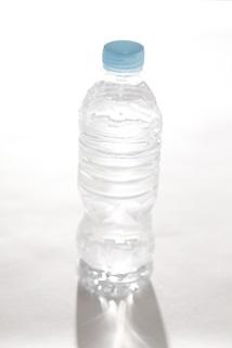 成人の呼吸量はペットボトル1本分