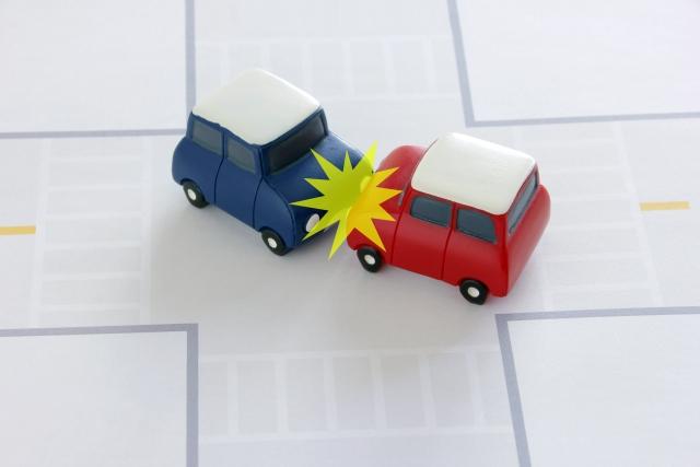 【交通事故治療】当日痛みはなかったのに急に痛みが出てきた!